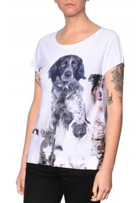 Camiseta Premium Reta Cães e Gatos