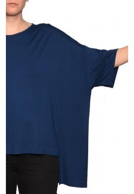 blusa-solta-basica-azul-prussia