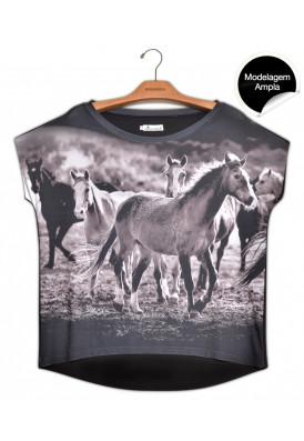 Blusa Premium Quadradasim Cavalo Mouro